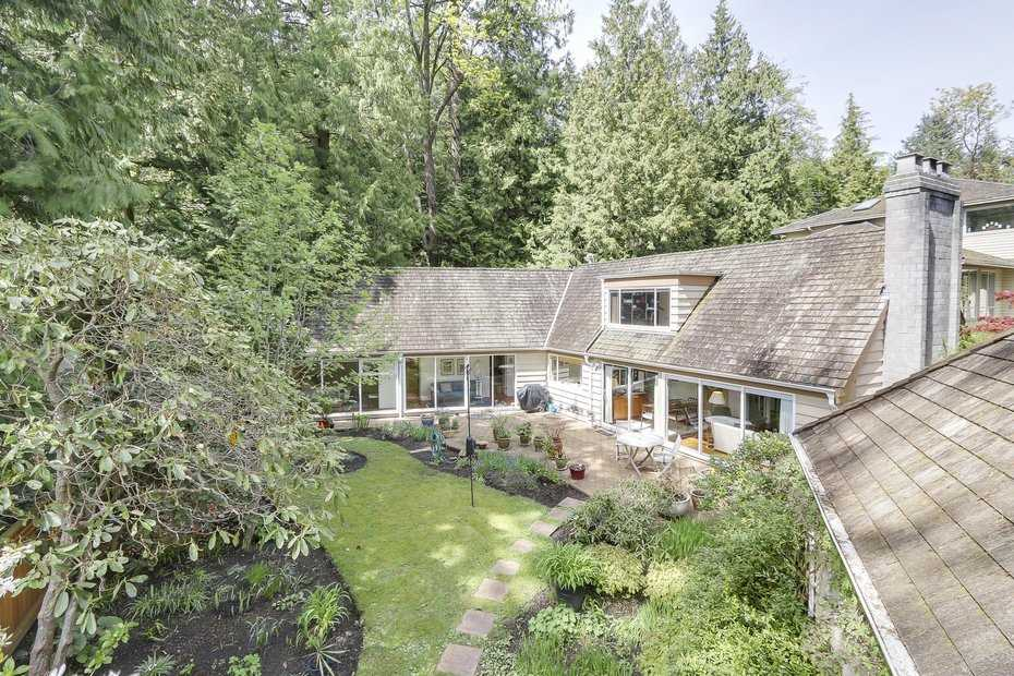 Main Photo: 6779 DUFFERIN Avenue in West Vancouver: Whytecliff House for sale : MLS(r) # R2164273