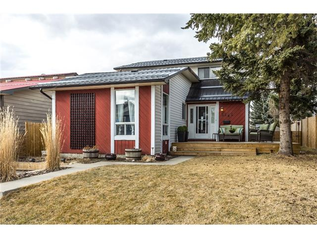 Main Photo: 3112 107 Avenue SW in Calgary: Cedarbrae House for sale : MLS® # C4117087