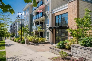 "Main Photo: 516 13789 107A Avenue in Surrey: Whalley Condo for sale in ""Quattro 2"" (North Surrey)  : MLS(r) # R2175516"