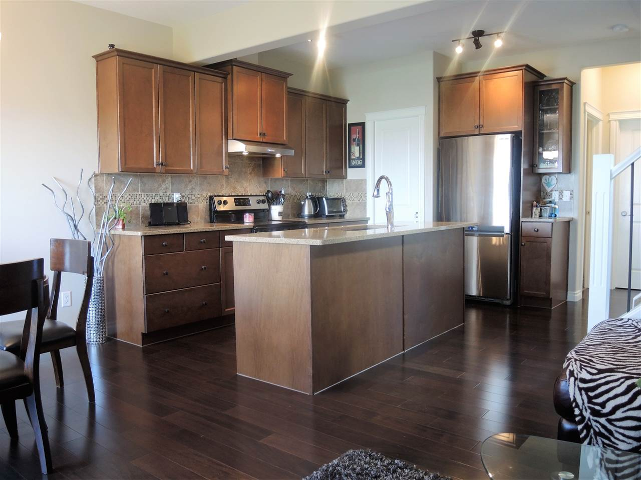 Photo 8: 16106 10 Avenue in Edmonton: Zone 56 House Half Duplex for sale : MLS® # E4069811