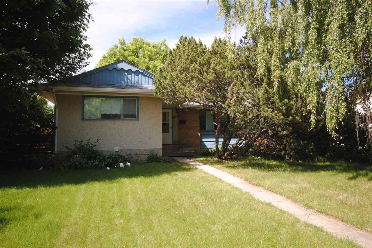 Main Photo: 10508 50A Street in Edmonton: Zone 19 House for sale : MLS® # E4070016