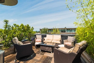 Main Photo: 202 3680 W BROADWAY in Vancouver: Kitsilano Townhouse for sale (Vancouver West)  : MLS® # R2192325