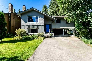 Main Photo: 1662 WESTOVER Road in North Vancouver: Lynn Valley House for sale : MLS® # R2205712