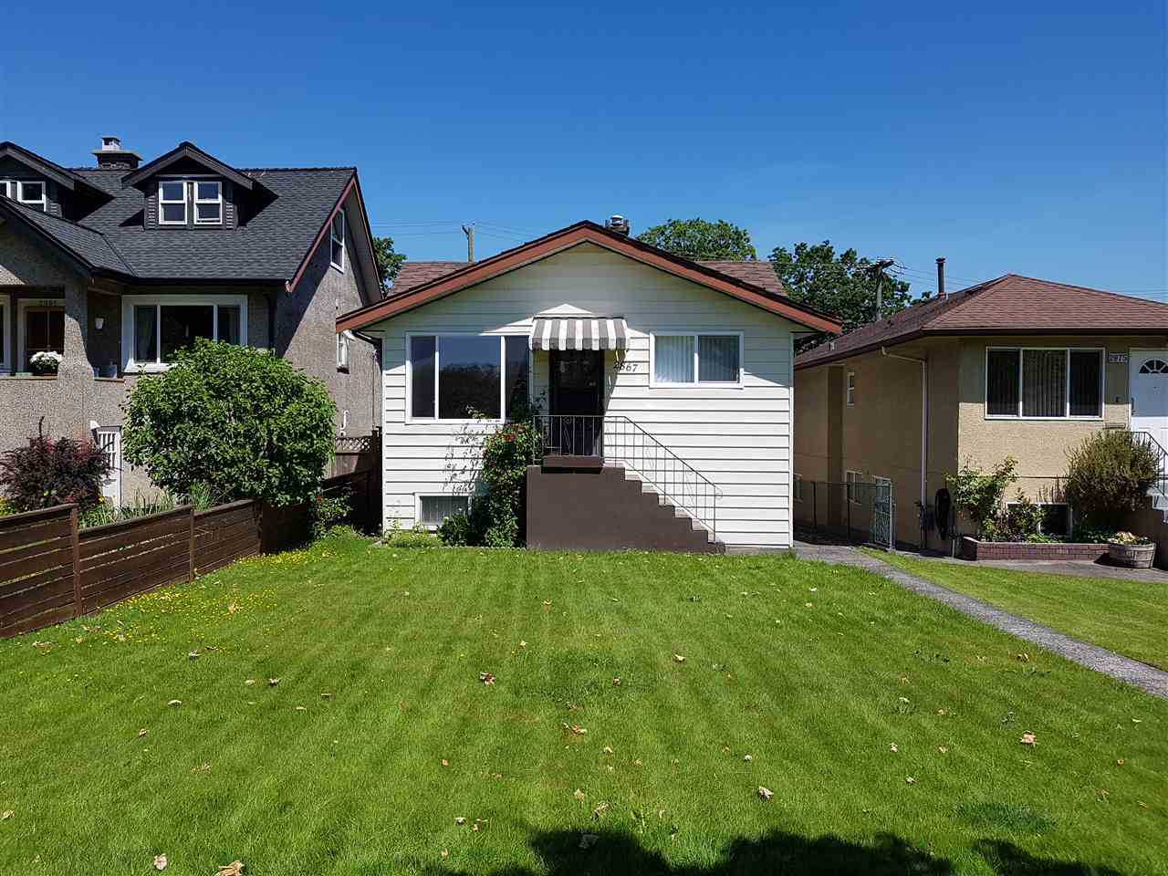 Main Photo: 2867 CAMBRIDGE Street in Vancouver: Hastings East House for sale (Vancouver East)  : MLS® # R2213998