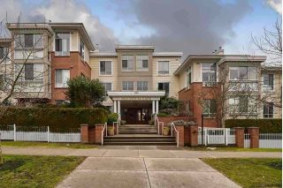 "Main Photo: 202 360 E 36TH Avenue in Vancouver: Main Condo for sale in ""MAGNOLIA GATE"" (Vancouver East)  : MLS® # R2220093"