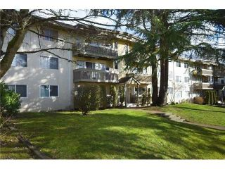 "Main Photo: 63 5922 HASTINGS Street in Burnaby: Capitol Hill BN Condo for sale in ""Kensington Gardens"" (Burnaby North)  : MLS® # R2234683"