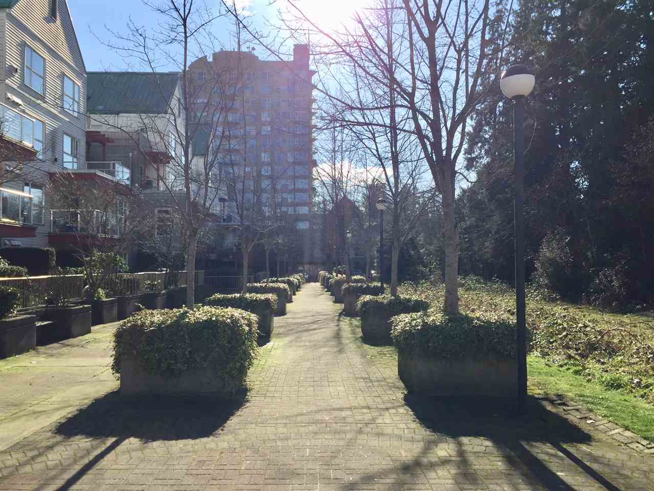 "Photo 16: Photos: 307 9830 WHALLEY Boulevard in Surrey: Whalley Condo for sale in ""KING GEORGE PARK"" (North Surrey)  : MLS® # R2237466"