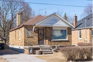 Main Photo: Upper 6 Phenix Drive in Toronto: Birchcliffe-Cliffside House (Bungalow) for lease (Toronto E06)  : MLS® # E4074700