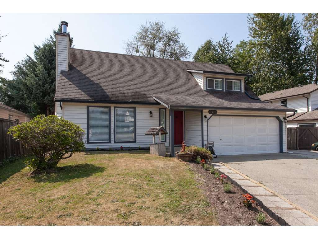 Main Photo: 9433 215A Street in Langley: Walnut Grove House for sale : MLS®# R2293706
