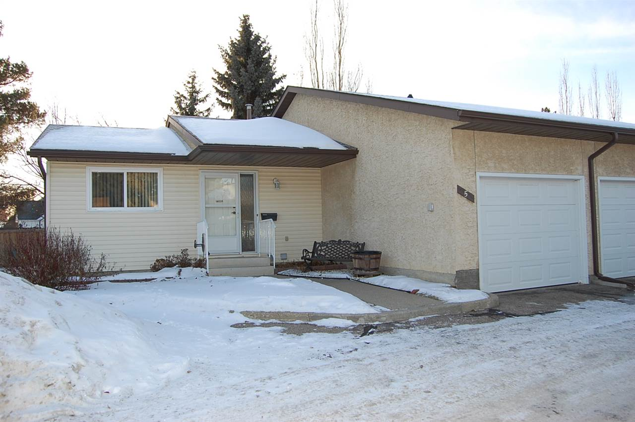 FEATURED LISTING: 5 PINEVIEW HORIZON Village St. Albert