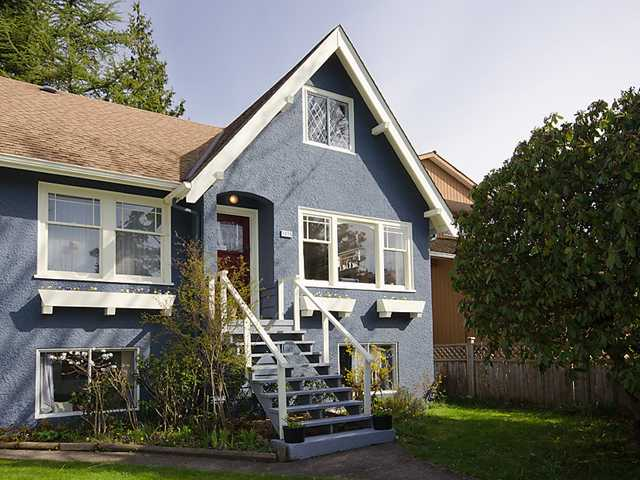 "Main Photo: 3835 W 24TH Avenue in Vancouver: Dunbar House for sale in ""DUNBAR"" (Vancouver West)  : MLS® # V884363"