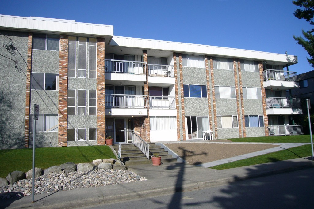 Main Photo: # 206 1331 FIR ST: Condo for sale (White Rock)  : MLS® # F1123472