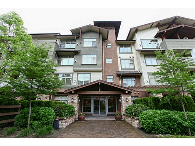 "Main Photo: 110 6500 194 Street in Surrey: Clayton Condo for sale in ""Sunset Grove"" (Cloverdale)  : MLS® # F1440693"