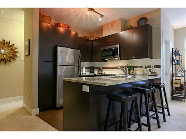"Photo 3: 110 6500 194 Street in Surrey: Clayton Condo for sale in ""Sunset Grove"" (Cloverdale)  : MLS® # F1440693"