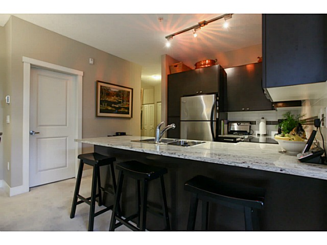 "Photo 4: 110 6500 194 Street in Surrey: Clayton Condo for sale in ""Sunset Grove"" (Cloverdale)  : MLS® # F1440693"