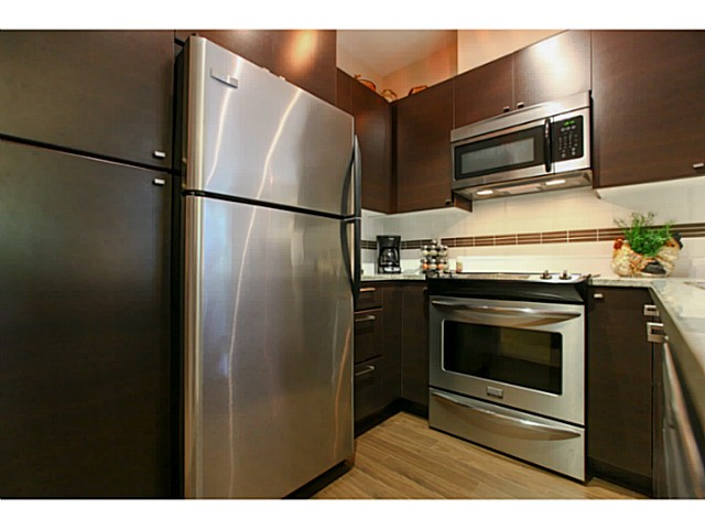 "Photo 5: 110 6500 194 Street in Surrey: Clayton Condo for sale in ""Sunset Grove"" (Cloverdale)  : MLS® # F1440693"