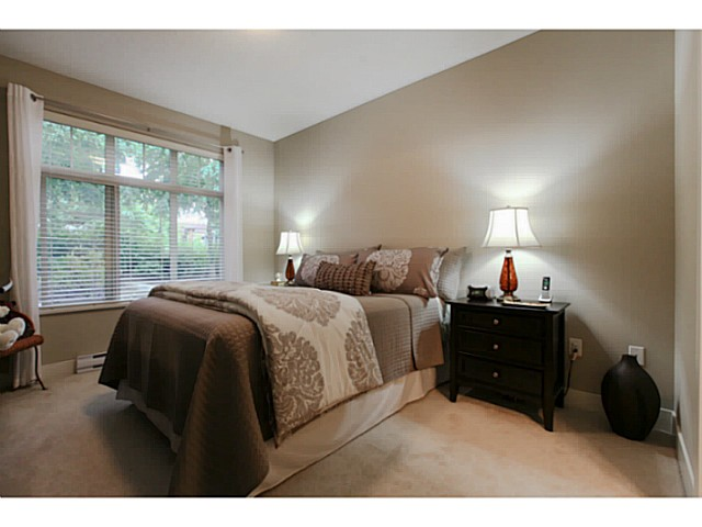 "Photo 14: 110 6500 194 Street in Surrey: Clayton Condo for sale in ""Sunset Grove"" (Cloverdale)  : MLS® # F1440693"