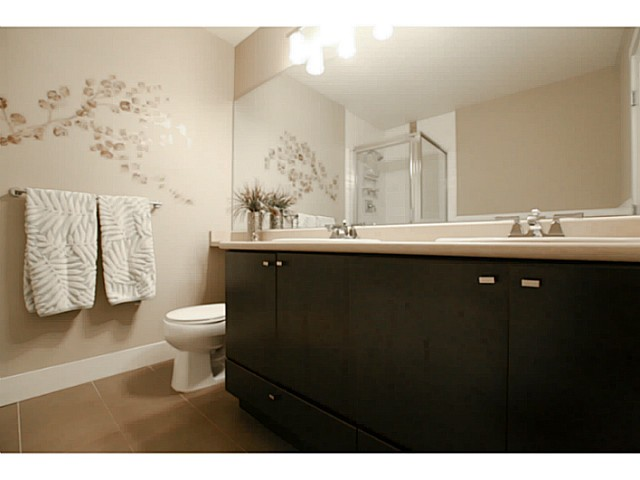 "Photo 17: 110 6500 194 Street in Surrey: Clayton Condo for sale in ""Sunset Grove"" (Cloverdale)  : MLS® # F1440693"