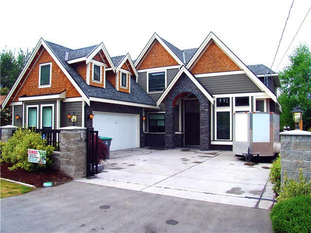FEATURED LISTING: 15643 18 Avenue Surrey