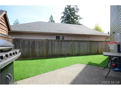 Photo 15: 998 Wild Pond Lane in VICTORIA: La Happy Valley Single Family Detached for sale (Langford)  : MLS(r) # 365813