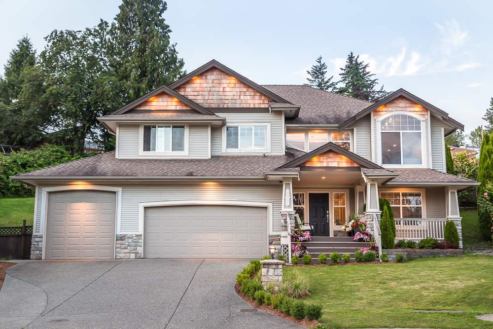 "Main Photo: 22785 HOLYROOD Avenue in Maple Ridge: East Central House for sale in ""Greystone"" : MLS®# R2085215"
