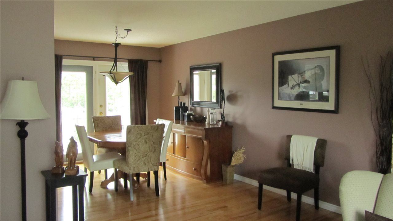 Photo 3: 418 EXPLORER Crescent in Prince George: Highglen House for sale (PG City West (Zone 71))  : MLS(r) # R2095044