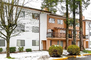 Main Photo: 203 13316 71B Avenue in Surrey: West Newton Condo for sale : MLS®# R2117304