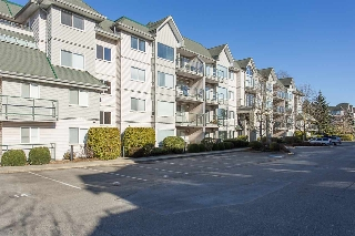 "Main Photo: 402 33688 KING Road in Abbotsford: Poplar Condo for sale in ""College Park"" : MLS® # R2136584"
