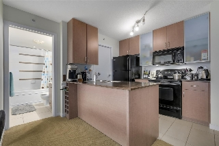 "Main Photo: 410 928 HOMER Street in Vancouver: Yaletown Condo for sale in ""Yaletown Park 1"" (Vancouver West)  : MLS(r) # R2149973"