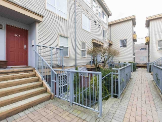 "Main Photo: 303 2688 WATSON Street in Vancouver: Mount Pleasant VE Townhouse for sale in ""Tala Vera"" (Vancouver East)  : MLS(r) # R2152269"