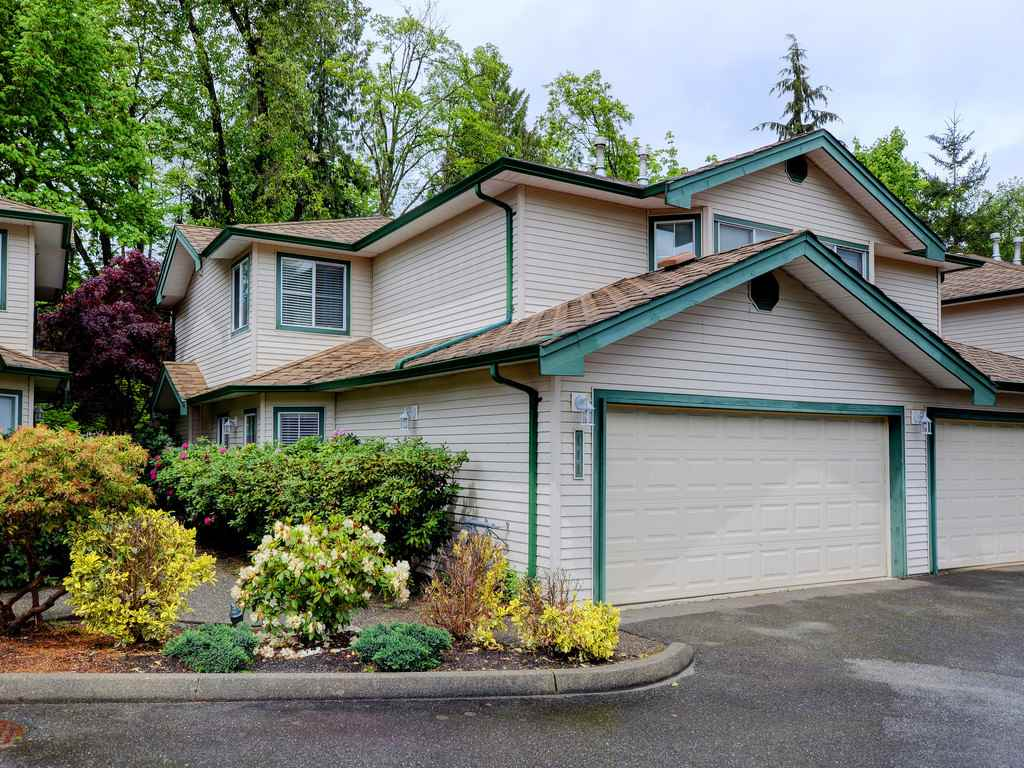 "Main Photo: 111 10250 155A Street in Surrey: Guildford Townhouse for sale in ""Creekside Estates"" (North Surrey)  : MLS(r) # R2167347"
