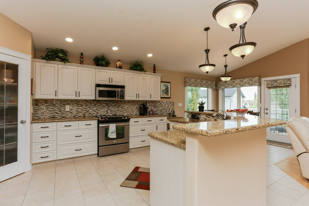 Photo 10: 359 HERITAGE Drive: Sherwood Park House for sale : MLS® # E4066882