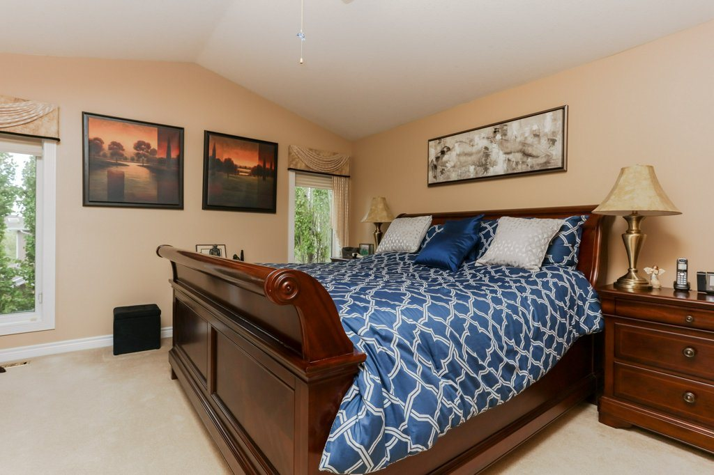 Photo 19: 359 HERITAGE Drive: Sherwood Park House for sale : MLS® # E4066882