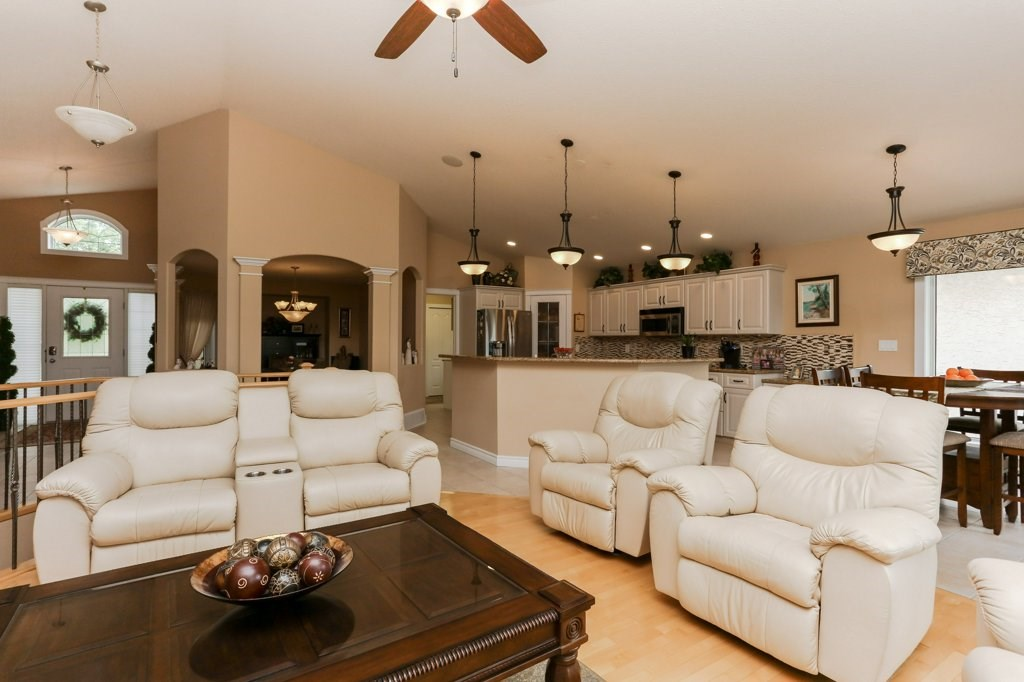 Photo 12: 359 HERITAGE Drive: Sherwood Park House for sale : MLS® # E4066882