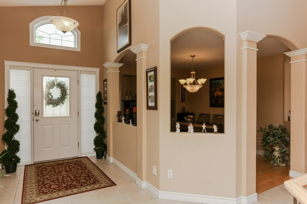 Photo 3: 359 HERITAGE Drive: Sherwood Park House for sale : MLS® # E4066882