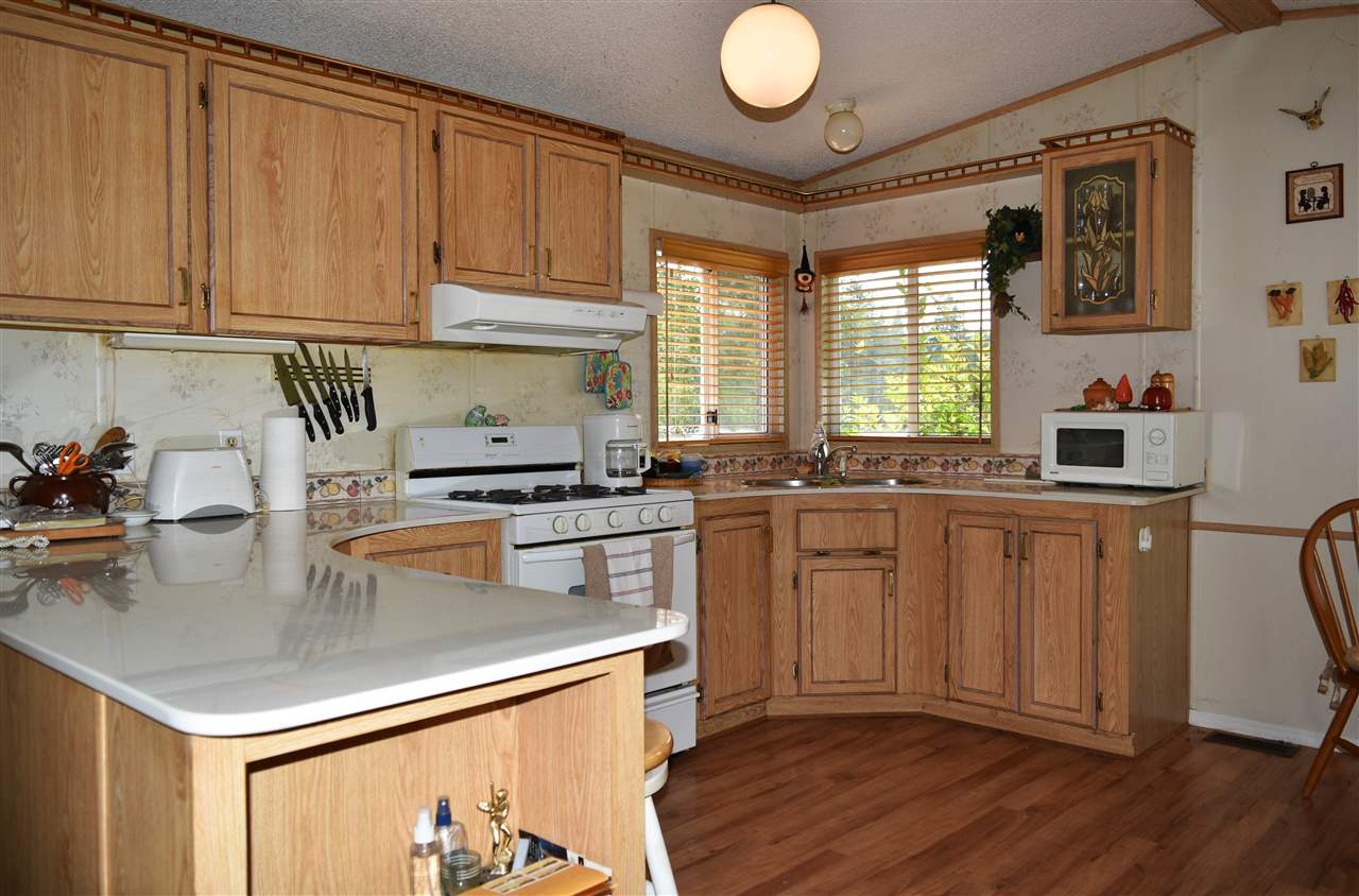 Photo 4: Photos: 13 12793 MADEIRA PARK Road in Madeira Park: Pender Harbour Egmont Manufactured Home for sale (Sunshine Coast)  : MLS® # R2198809