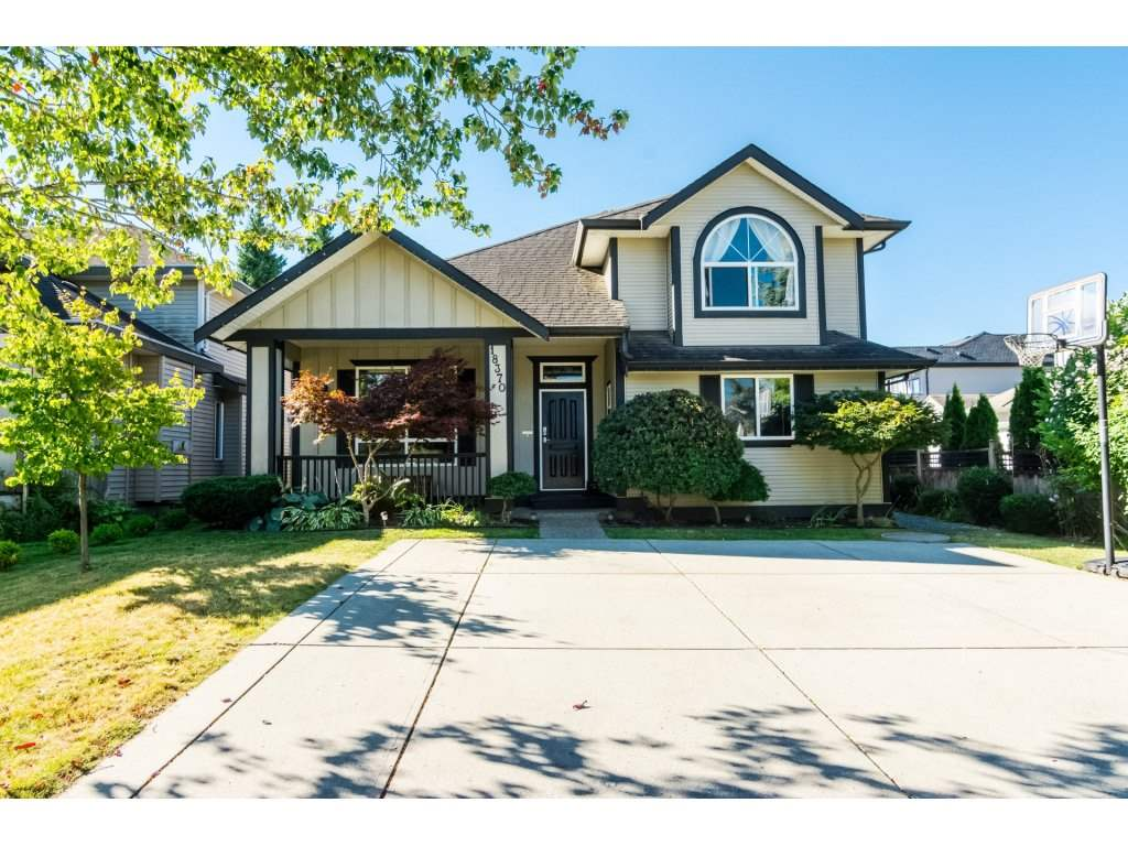 Main Photo: 18370 68 Avenue in Surrey: Cloverdale BC House for sale (Cloverdale)  : MLS®# R2200489