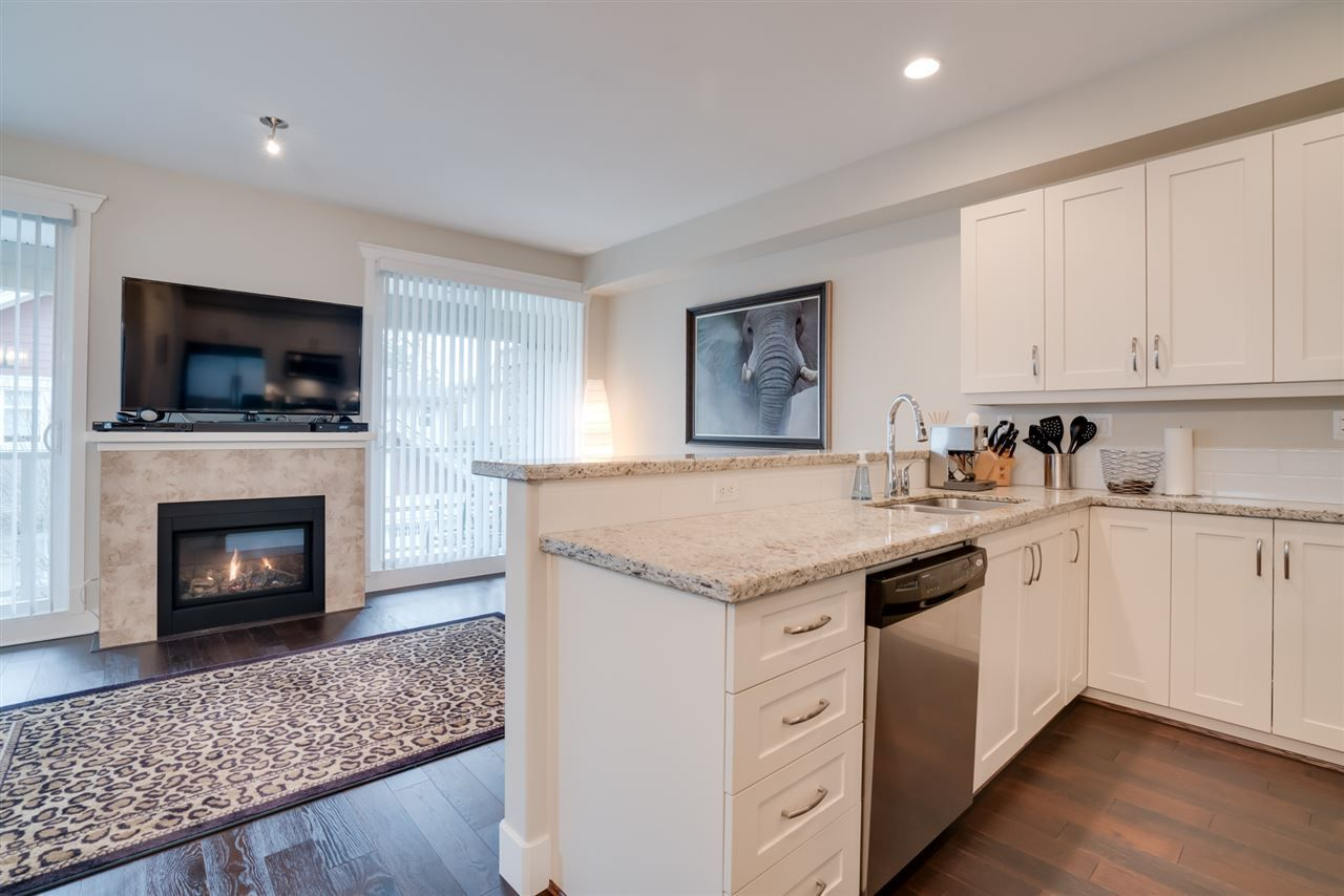 "Photo 3: Photos: 18 15454 32 Avenue in Surrey: Grandview Surrey Townhouse for sale in ""NUVO"" (South Surrey White Rock)  : MLS® # R2225404"