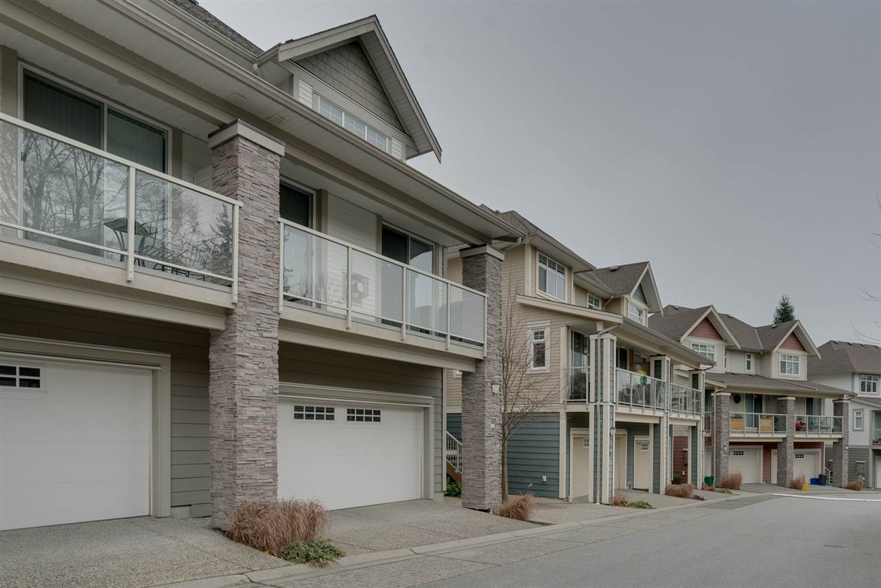 "Photo 1: Photos: 18 15454 32 Avenue in Surrey: Grandview Surrey Townhouse for sale in ""NUVO"" (South Surrey White Rock)  : MLS® # R2225404"