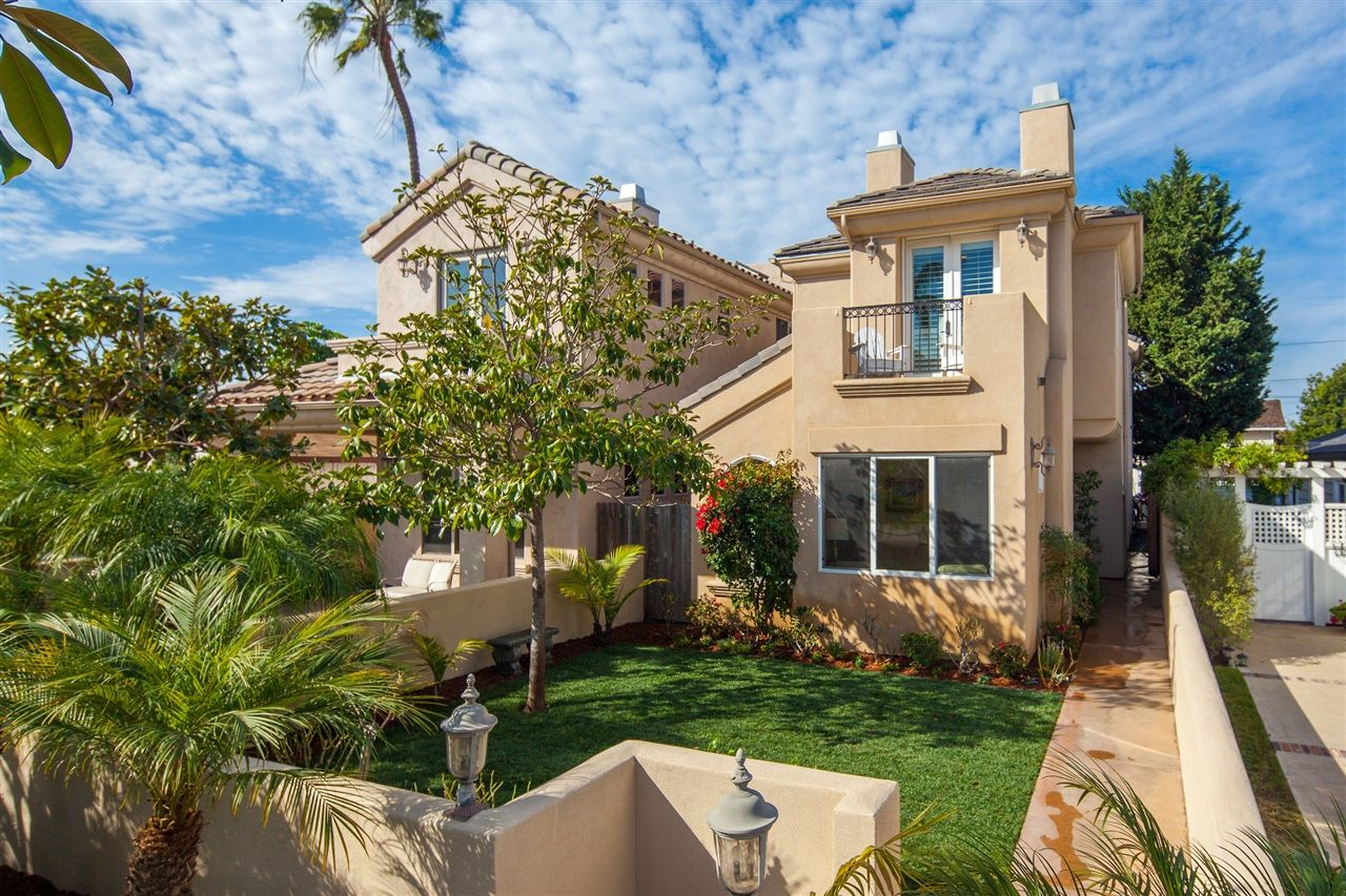 Main Photo: CORONADO VILLAGE House for sale : 4 bedrooms : 238 J Ave in Coronado