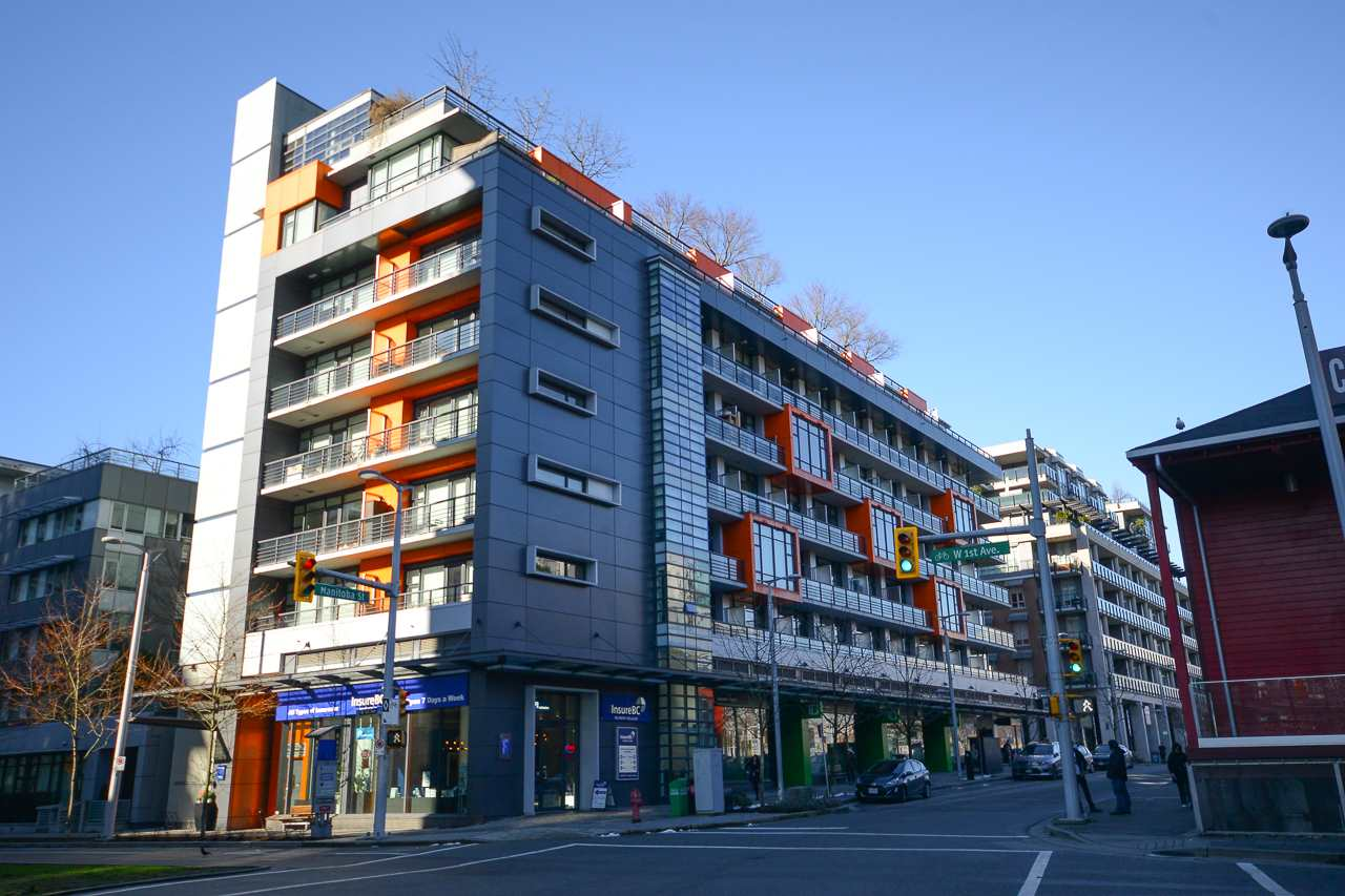 "Main Photo: 407 123 W 1ST Avenue in Vancouver: False Creek Condo for sale in ""COMPASS"" (Vancouver West)  : MLS® # R2239199"