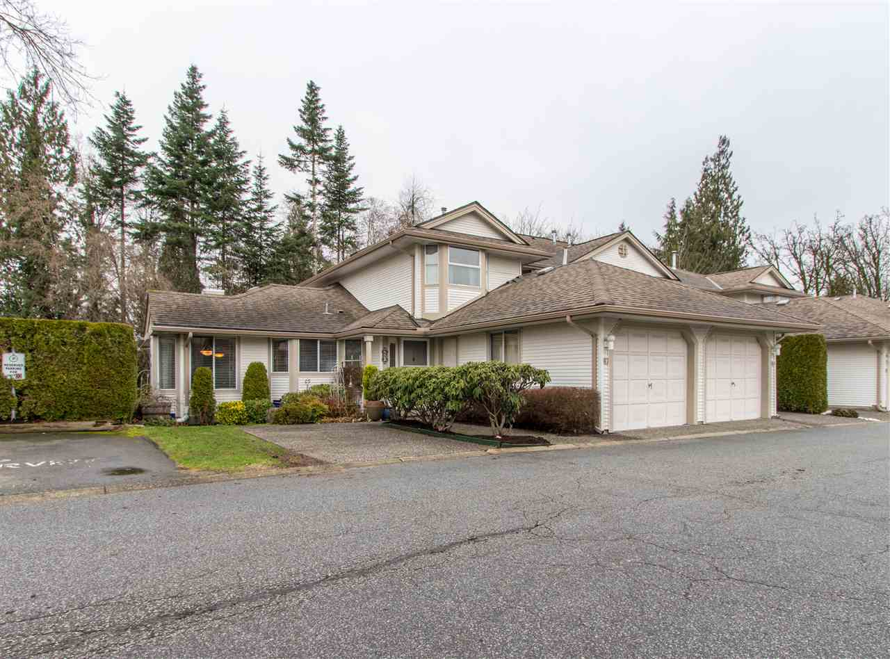 "Photo 2: Photos: 67 9045 WALNUT GROVE Drive in Langley: Walnut Grove Townhouse for sale in ""Bridgewoods"" : MLS® # R2239709"