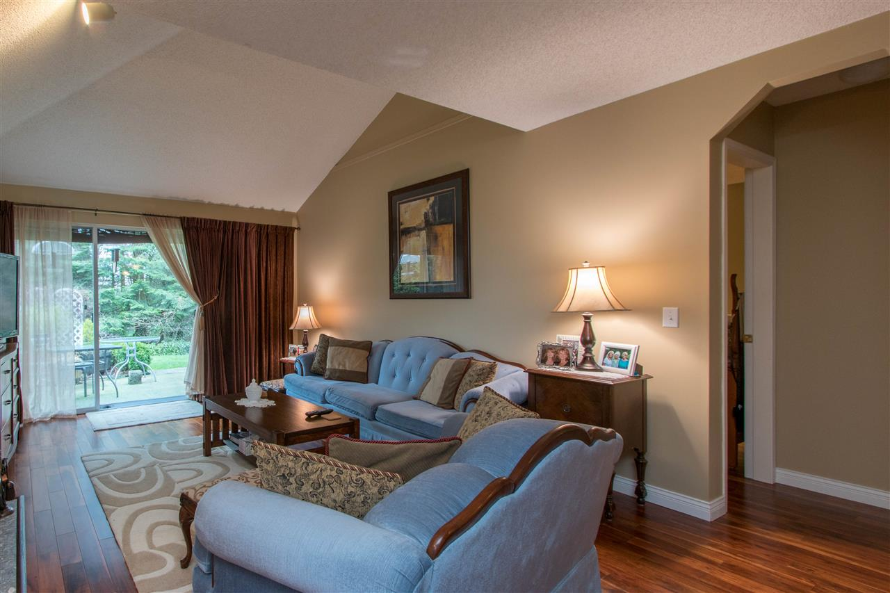 "Photo 9: Photos: 67 9045 WALNUT GROVE Drive in Langley: Walnut Grove Townhouse for sale in ""Bridgewoods"" : MLS® # R2239709"
