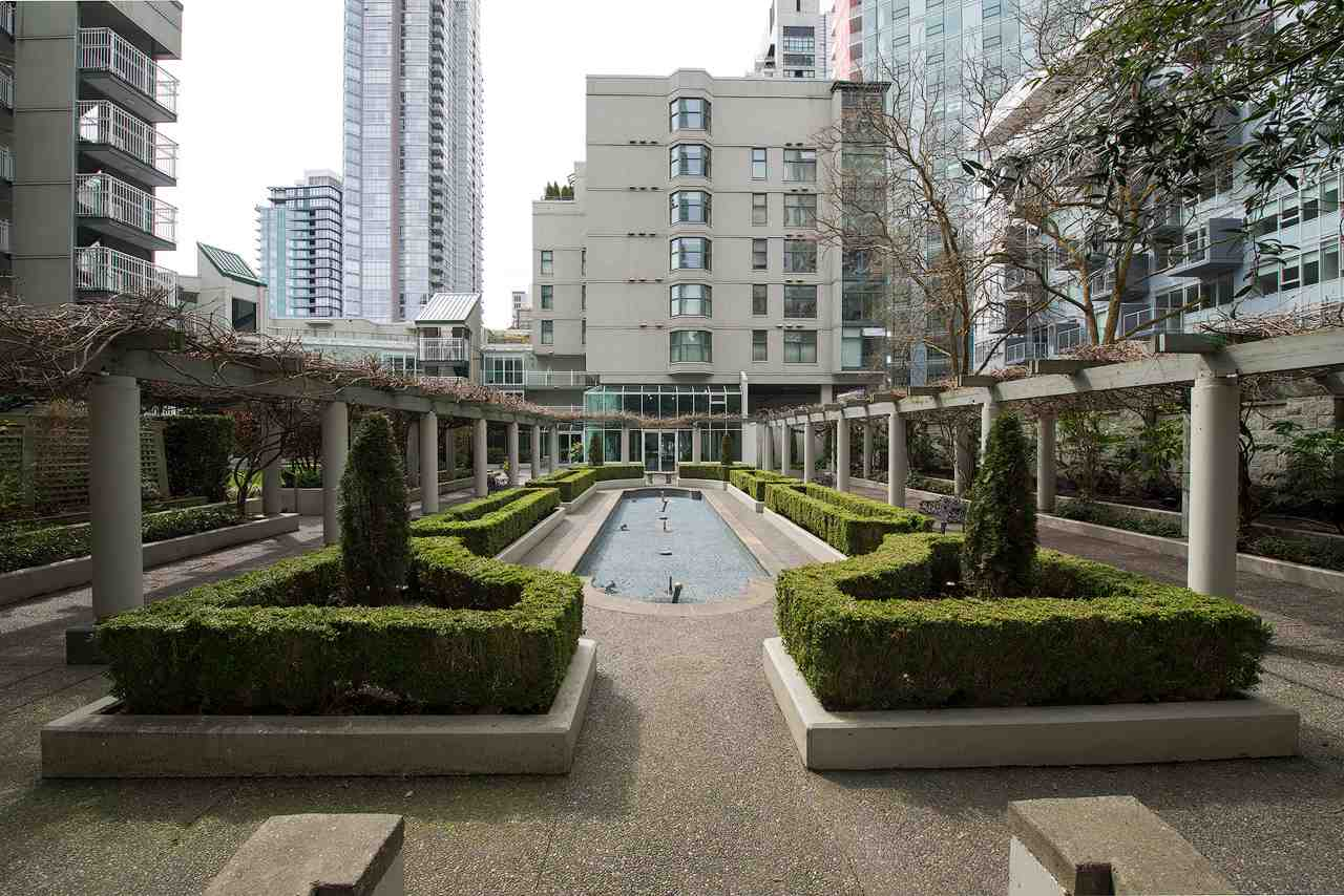 "Main Photo: B1202 1331 HOMER Street in Vancouver: Yaletown Condo for sale in ""PACIFIC POINT"" (Vancouver West)  : MLS®# R2256716"