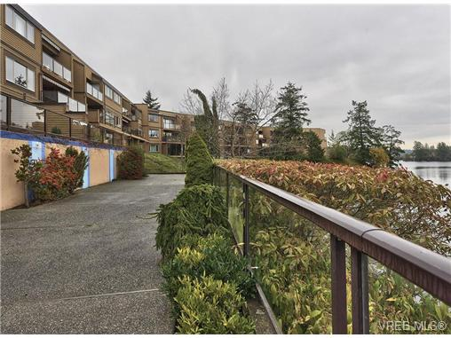 Photo 2: 217 485 Island Highway in VICTORIA: VR Six Mile Condo Apartment for sale (View Royal)  : MLS(r) # 335211