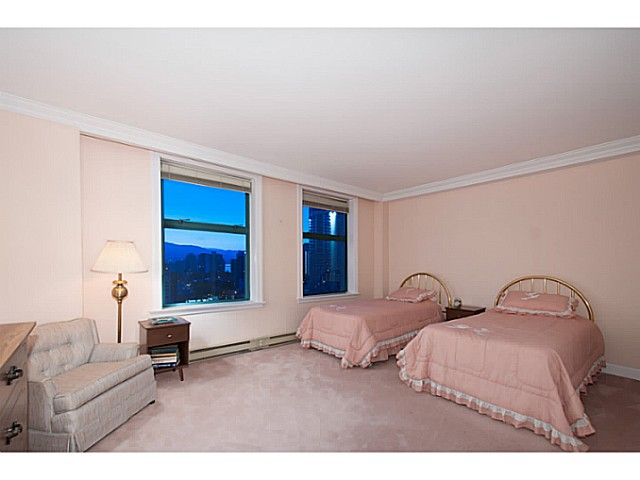 "Photo 15: 16 1861 BEACH Avenue in Vancouver: West End VW Condo for sale in ""Sylvia Tower"" (Vancouver West)  : MLS(r) # V1068399"