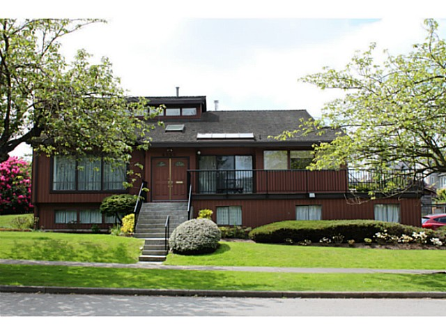 Main Photo: 4585 ST. GEORGE Street in Vancouver: Fraser VE House for sale (Vancouver East)  : MLS®# V1122865