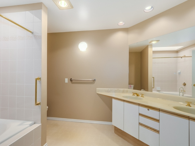 Photo 13: 305 8560 GENERAL CURRIE Road in Richmond: Brighouse South Condo for sale : MLS(r) # R2000809