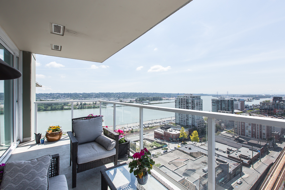 "Photo 12: 1806 39 SIXTH Street in New Westminster: Downtown NW Condo for sale in ""QUANTUM"" : MLS(r) # R2074909"