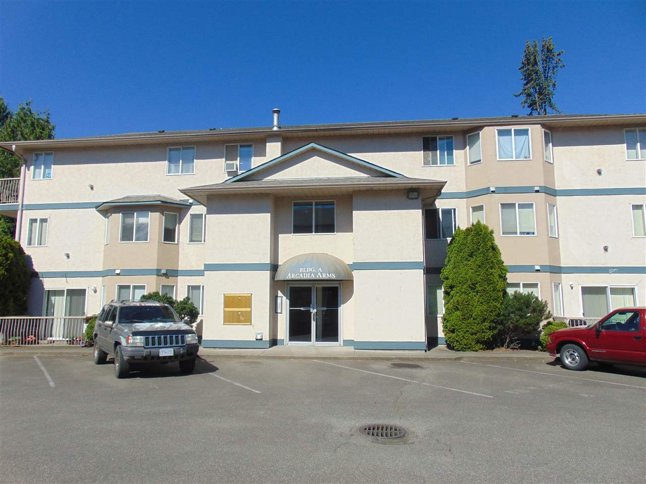 "Main Photo: 5 46160 PRINCESS Avenue in Chilliwack: Chilliwack E Young-Yale Condo for sale in ""ARCADIA ARMS"" : MLS®# R2080905"